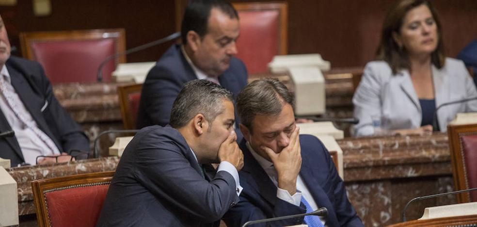 La oposición reprocha a López Miras su inacción en propuestas legislativas
