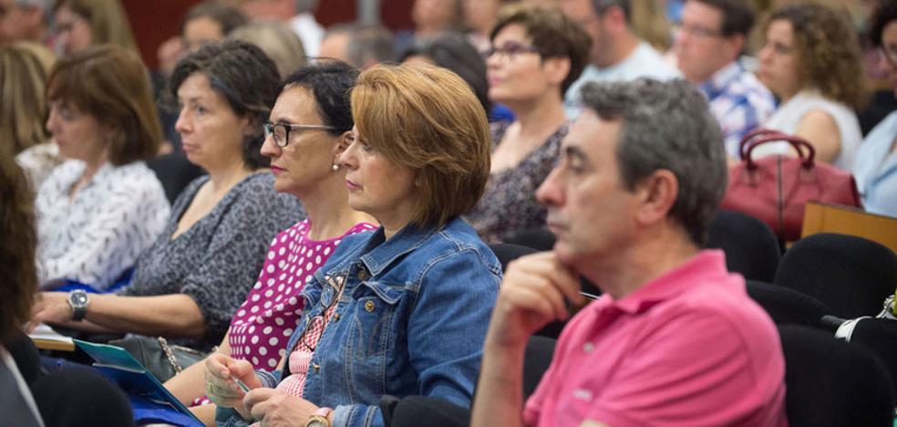 Más de la mitad de los 202.000 asistentes a congresos del año pasado eran mujeres