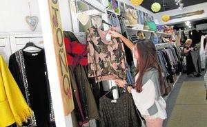 Ropa y calzado provocan una ligera subida de los precios en mayo en la Región de Murcia