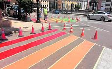 Polémica política por el pintado de pasos de cebra con la bandera gay