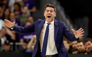Fotis Katsikaris firma por los Utah Jazz