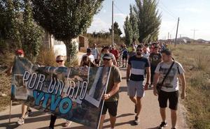 Cientos de vecinos reivindican el cierre de los pozos ilegales en el río Mula