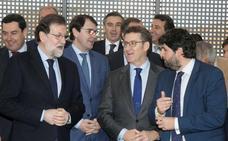 La mayoría de dirigentes regionales del PP prefieren a Núñez Feijóo para suceder a Rajoy