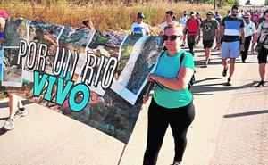 Cientos de personas se manifiestan por los pozos ilegales del río Mula