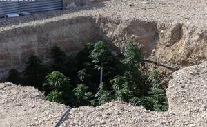 Dos detenidos tras desmantelar un punto de venta de droga en Yecla