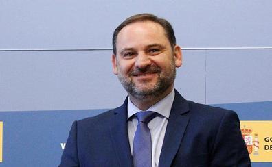 Ábalos anuncia la eliminación de peajes en la autopista del Mediterráneo en 2020