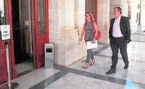 Repsol reprocha a Castejón la «alarma» creada por los bomberos tras la avería