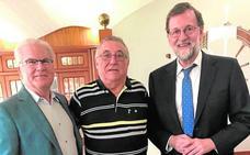 El abanillero Riquelme guía a Rajoy en su retorno al registro de Santa Pola
