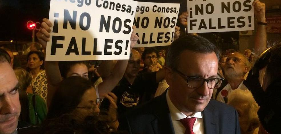Conesa promete que la política de la imposición en las obras del AVE es historia