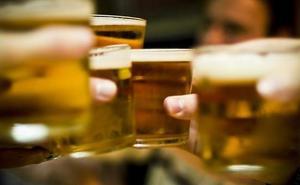 ¿Bebes más de una bebida alcohólica al día? Tienes mayor posibilidad de morir o padecer cáncer