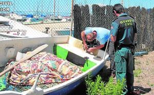 Incautan embarcaciones y redes de pesca ilegal en el Mar Menor