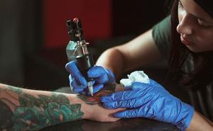 Si estás pensando en hacerte un tatuaje tienes que leer esto antes