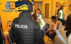 Un detenido en Murcia en una macrooperación contra el tráfico de menores marroquíes