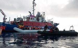 Italia y Malta se niegan a aceptar a los inmigrantes del 'Lifeline'