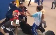 Paliza de hinchas argentinos a croatas en el interior del estadio