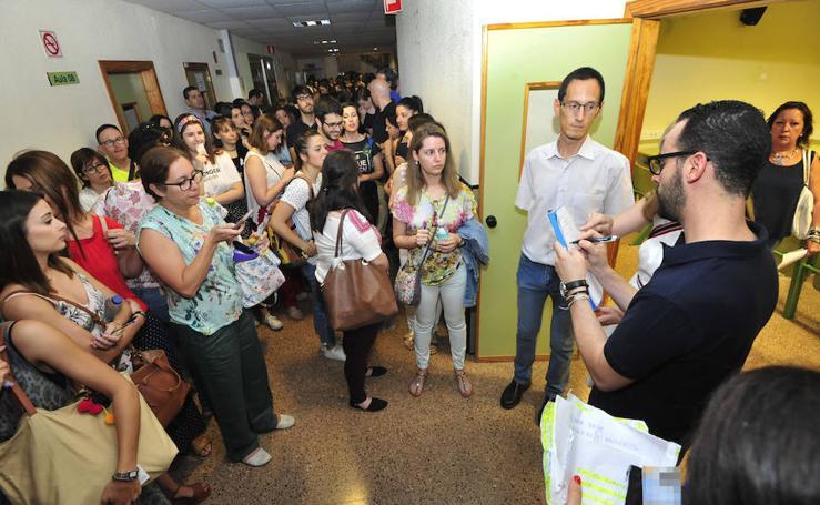 Elevada participación y normalidad en la primera prueba de las oposiciones a Secundaria
