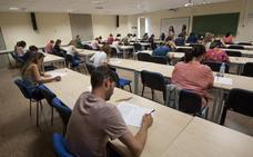 Más de 5.800 opositores compiten por 506 plazas de profesor de instituto