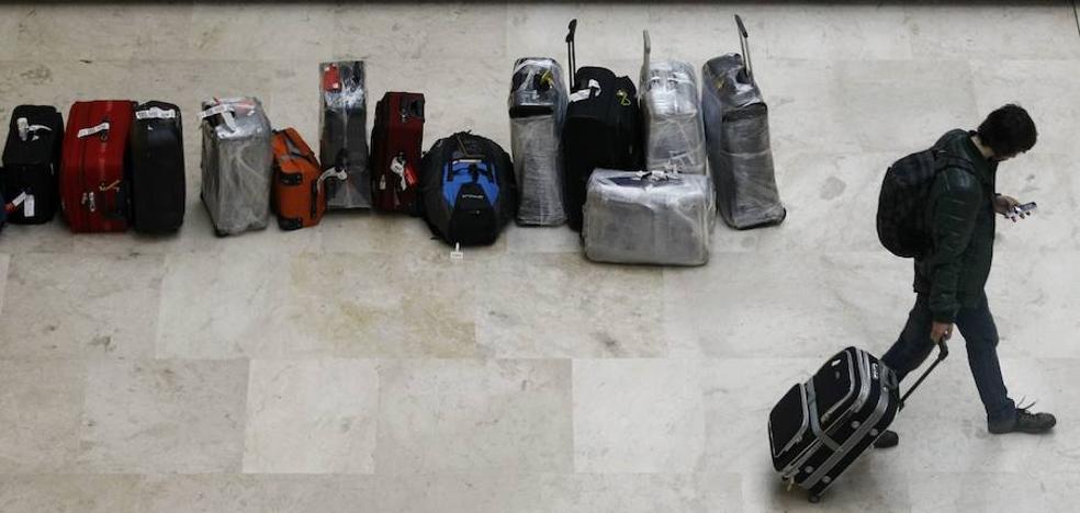 Murcia es la única región con más personas que se marchan al extranjero de las que llegan