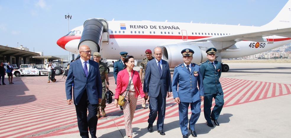 La ministra de Defensa visita a las tropas españolas desplazadas en Líbano