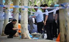 Un hombre armado con un cuchillo mata a dos niños en una escuela de Shanghái