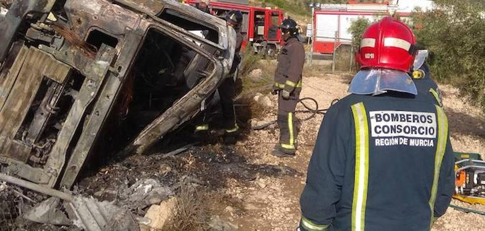 Muere tras volcar su camión e incendiarse en Barinas