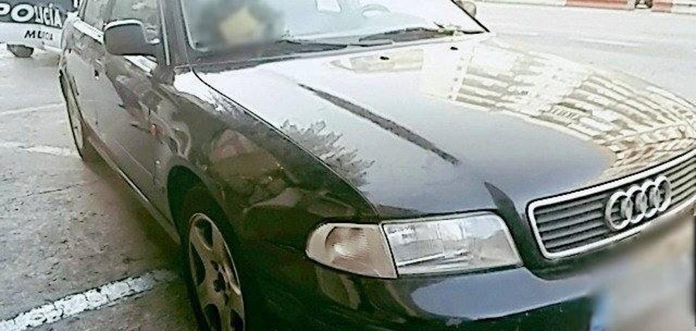 El conductor multado por recibir una felación al volante dio 0,50 en el test de alcoholemia