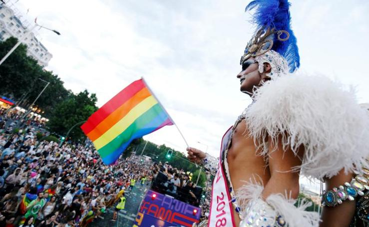 El Orgullo arcoiris inunda Madrid