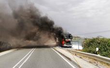 Controlado el incendio de un camión en Cehegín