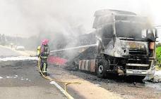 Arde un camión en la carretera de Calasparra