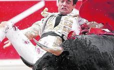 Gran faena y cornada en Pamplona