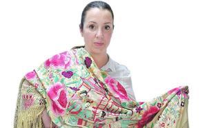 «Todas las casas deberían tener un mantón como fondo de armario»