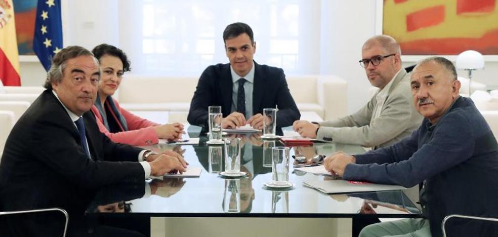 Los empresarios avisan: si suben los impuestos peligra el incremento salarial