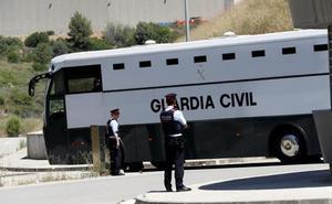 Los últimos presos del «procés» parten hacia Zaragoza antes de llegar a Cataluña
