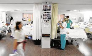 Denuncian el cierre de 300 camas hospitalarias en la Región este verano