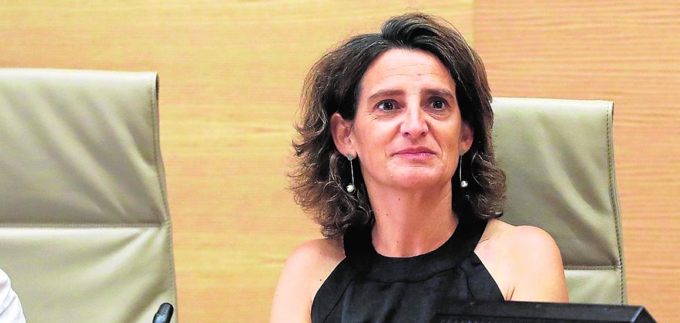 La ministra no oculta su rechazo a los trasvases y deja tocado el Tajo-Segura