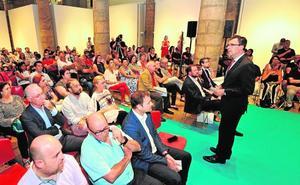 Ballesta anuncia a vecinos del Carmen y de La Paz proyectos de inversión por 4 millones