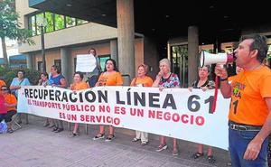Protesta para exigir la restitución de la línea de bus a Aljucer y El Palmar