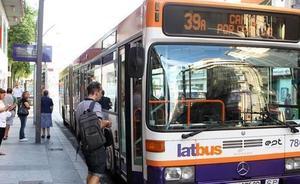 Los murcianos se suben más al autobús