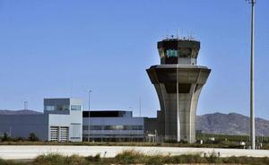Las tarifas para volar desde Corvera serán un 39% más baratas que desde Alicante