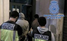 Detenidos tres miembros de una familia de Alcantarilla por poseer identidades falsas