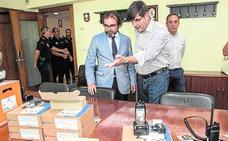 La Policía Local se conecta por radio a la red regional