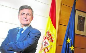 Pedro Saura: «Nos dejan trenes tercermundistas, con vagones que tienen goteras»