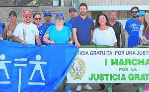El Colegio de Abogados defiende el turno de oficio en una marcha hasta Tentegorra
