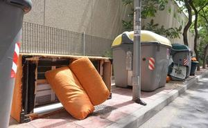 Tirar media casa a la basura