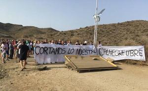 Manifestación contra las restricciones de acceso a Calnegre