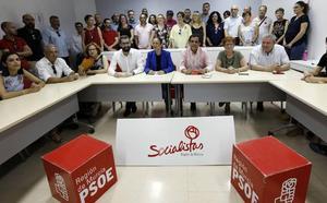 El PSOE de Murcia hace piña para apoyar la decisión de Conesa