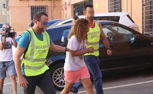 Prisión provisional sin fianza para la acusada de apuñalar mortalmente a su hermano en Águilas