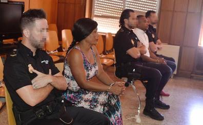 Asumen que prostituyeron a jóvenes colombianas en un club de Molina