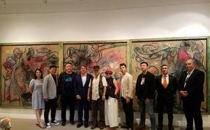 Una delegación china se interesa por el arte público de la Región