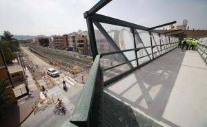 Los grupos políticos se cruzan reproches durante la visita a las obras del AVE en Murcia